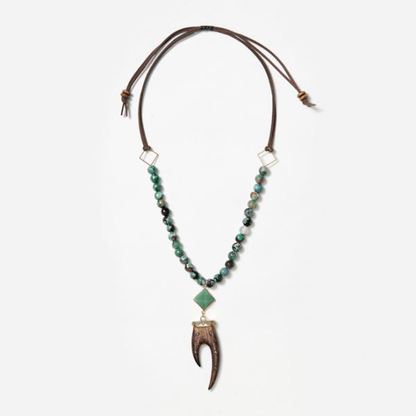 neckpiece with pyramid and horn pendants