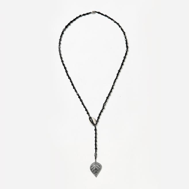 beaded neckpiece with shell and leaf