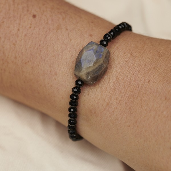 Bracelet with Labradorite and Glass Beads