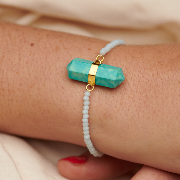 Bracelet with Point Pendant and Glass Beads