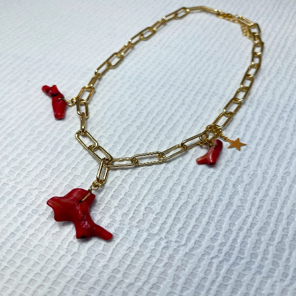 Chain Neckpiece with Jagged Coral